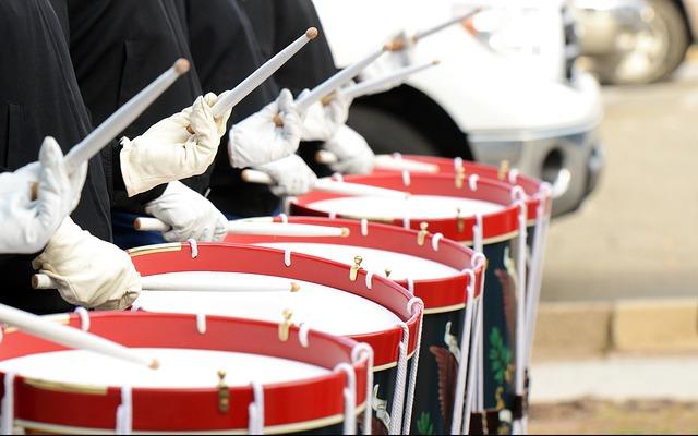 drummers-642540_640.jpg