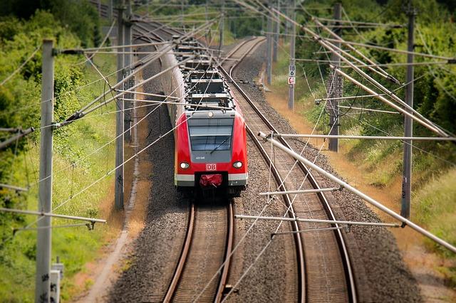 train-797072_640.jpg